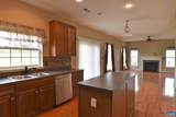 717 Holly Hill Dr - Photo 8