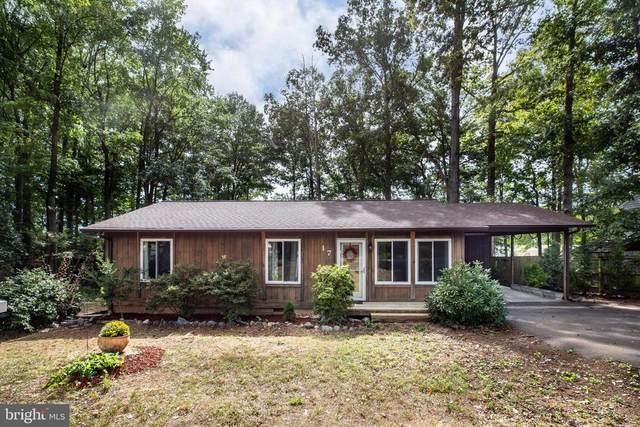 17 Timberland Dr, FREDERICKSBURG, VA 22407 (MLS #38377) :: KK Homes