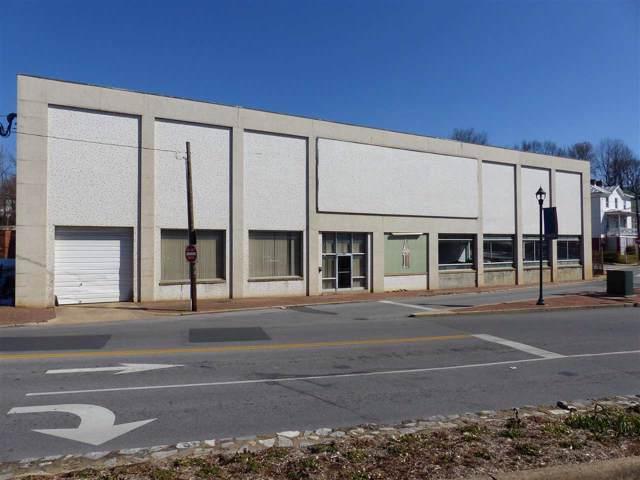 709 N Augusta St, STAUNTON, VA 24401 (MLS #586586) :: Jamie White Real Estate