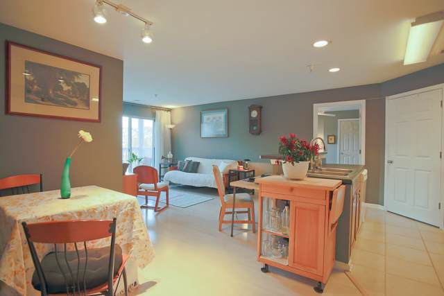 237 Yellowstone Dr #106, CHARLOTTESVILLE, VA 22903 (MLS #598360) :: Jamie White Real Estate
