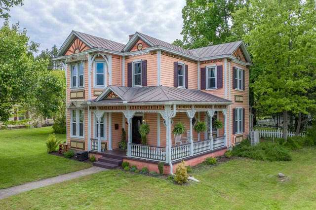 2154 Chestnut Ave, BUENA VISTA, VA 24416 (MLS #604009) :: Jamie White Real Estate