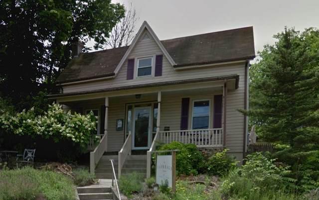 908 W Main St, WAYNESBORO, VA 22980 (MLS #606225) :: Jamie White Real Estate