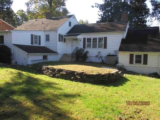 2017 Monticello St, WAYNESBORO, VA 22980 (MLS #609402) :: Jamie White Real Estate