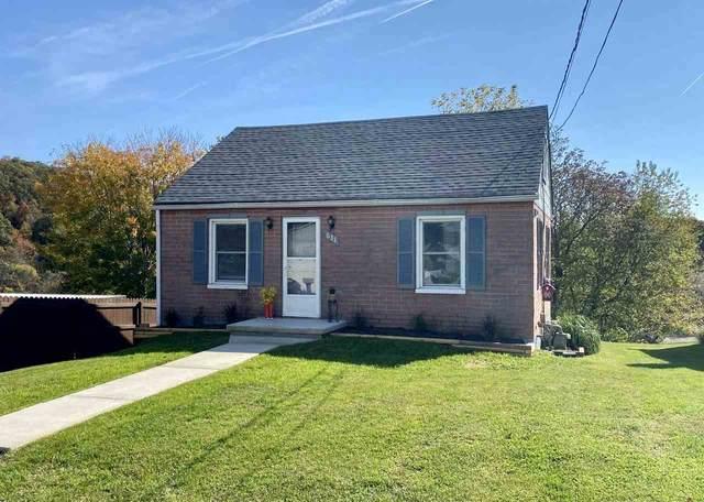 631 B St, STAUNTON, VA 24401 (MLS #609947) :: KK Homes