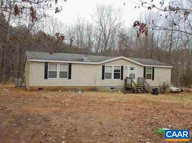 2256 Spencer Rd, Dillwyn, VA 23936 (MLS #615891) :: KK Homes