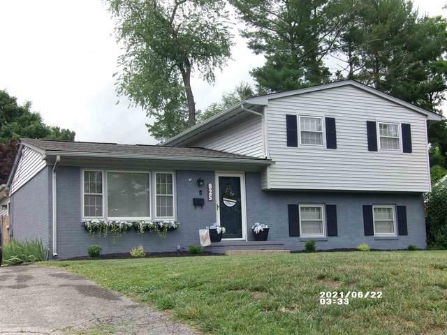 825 Washington Ave, WAYNESBORO, VA 22980 (MLS #619096) :: Jamie White Real Estate