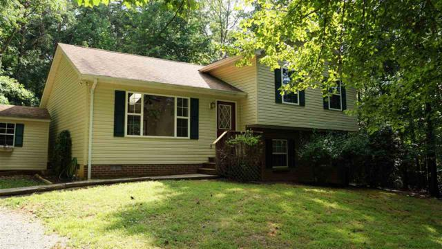 4 Sherwood Dr, Palmyra, VA 22963 (MLS #593044) :: Real Estate III