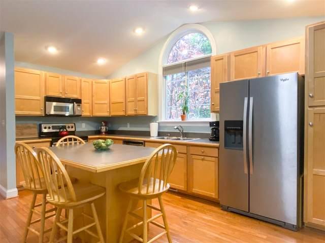 17 S Bearwood Dr, Palmyra, VA 22963 (MLS #603885) :: Jamie White Real Estate