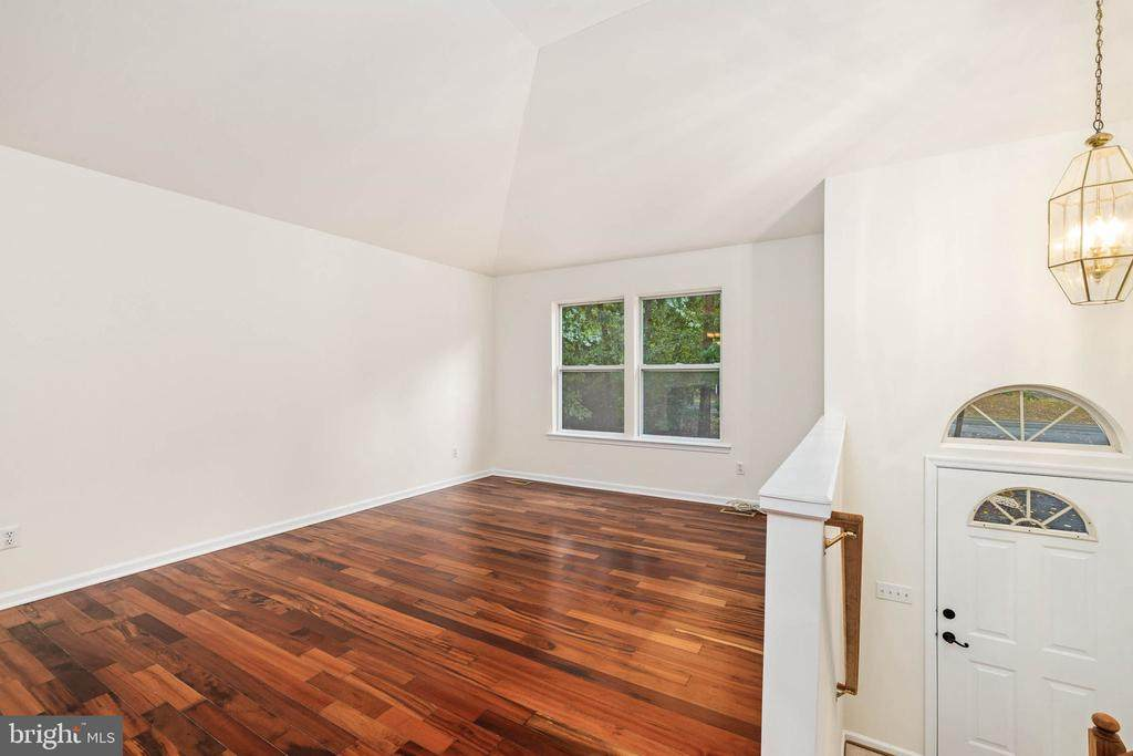 4207 Lakeview Pkwy - Photo 1