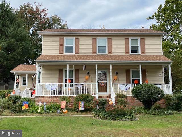 22 English Oak Cir, FREDERICKSBURG, VA 22408 (MLS #38916) :: KK Homes