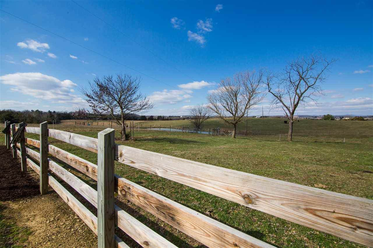 https://bt-photos.global.ssl.fastly.net/cville/orig_boomver_1_573626-2.jpg