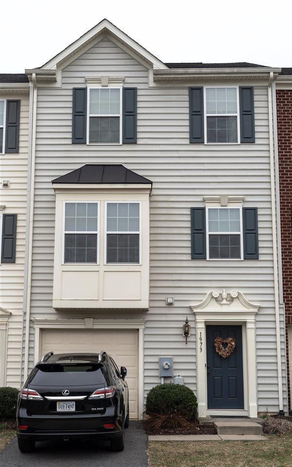 1973 Asheville Dr, CHARLOTTESVILLE, VA 22911 (MLS #586244) :: Jamie White Real Estate