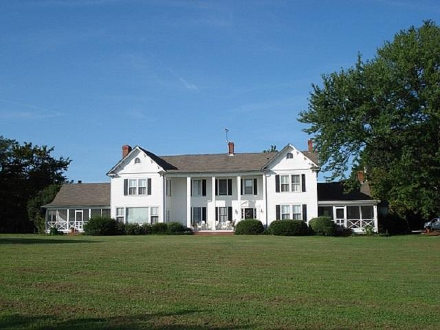 204 Bland Point Rd, Deltaville, VA 23043 (MLS #590332) :: Jamie White Real Estate