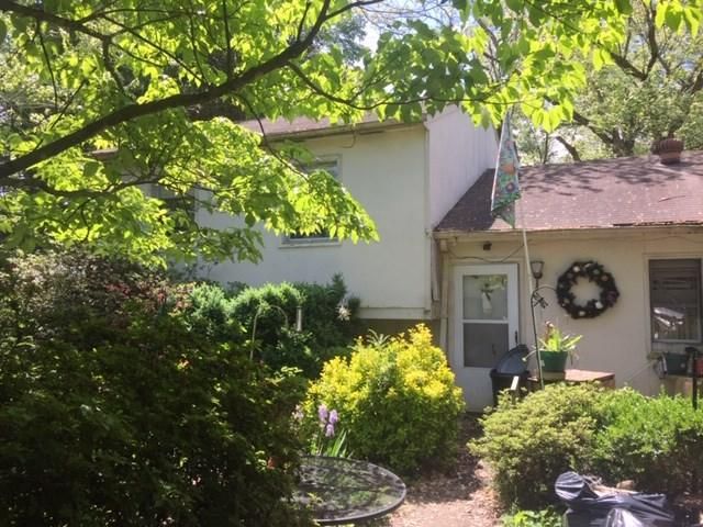 274 Lakeview Dr, CHARLOTTESVILLE, VA 22901 (MLS #592257) :: Real Estate III