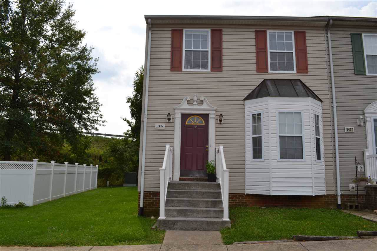 1435 Country Club Ct - Photo 1