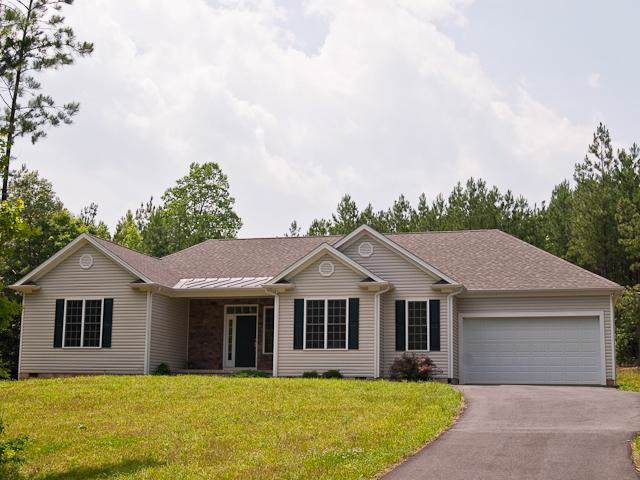 92 Venable Creek Ln, KENTS STORE, VA 23084 (MLS #596039) :: Jamie White Real Estate