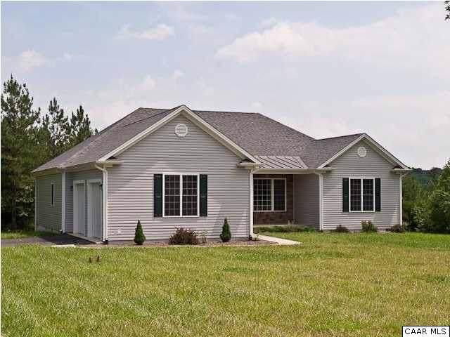 71 Venable Creek Ln, KENTS STORE, VA 23084 (MLS #596040) :: Real Estate III