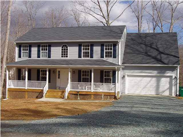 25 River Ridge Dr, Palmyra, VA 22963 (MLS #598066) :: Jamie White Real Estate
