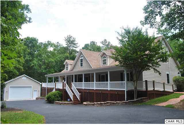 2260 Secretarys Rd, SCOTTSVILLE, VA 24590 (MLS #600667) :: KK Homes