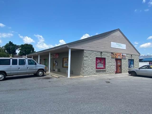 401 N Poplar Ave, WAYNESBORO, VA 22980 (MLS #604720) :: Jamie White Real Estate