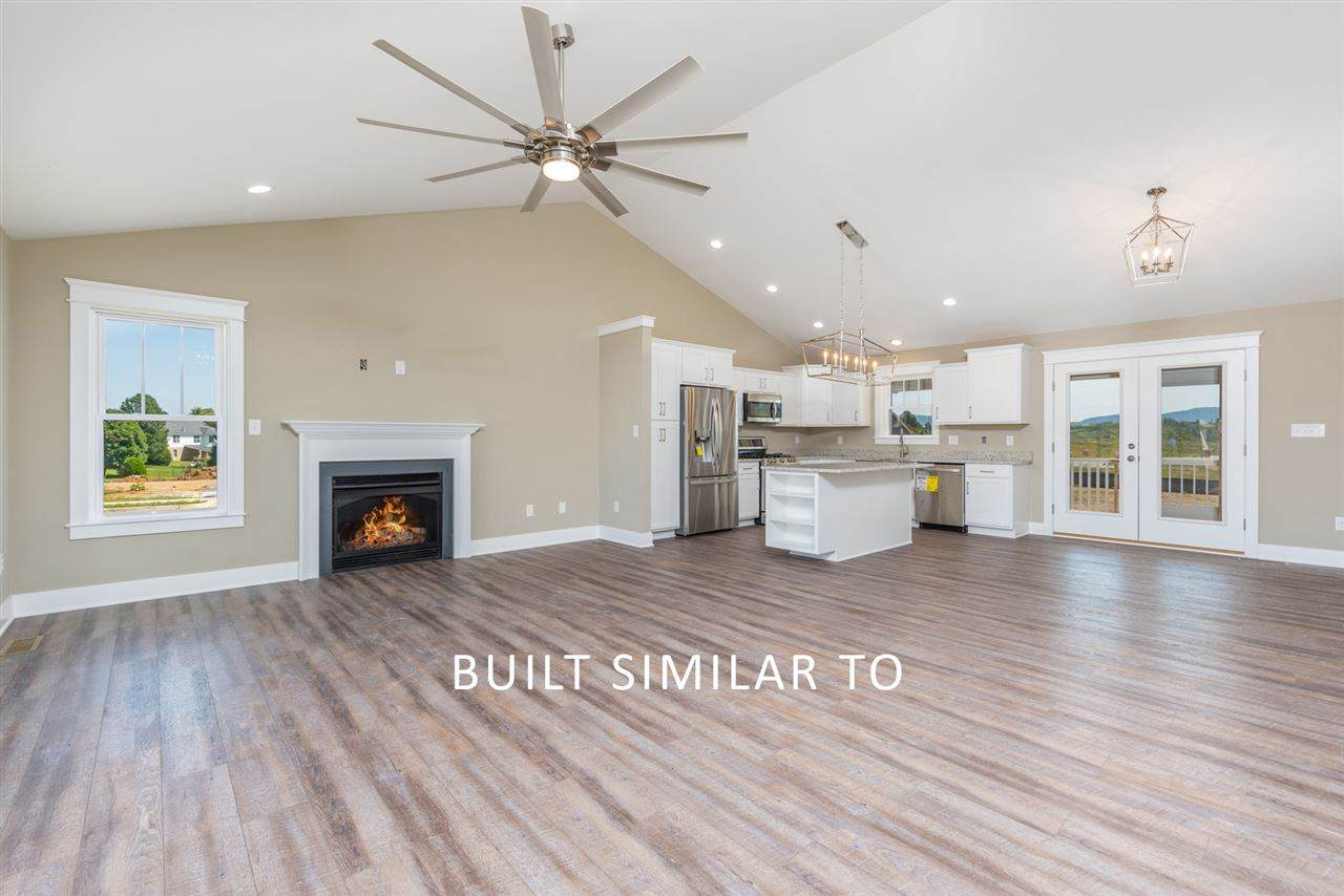 112 Langley Dr - Photo 1