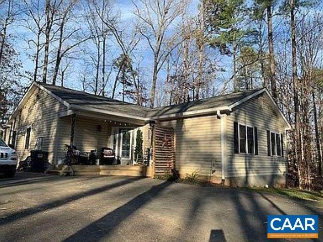 837 Jefferson Dr, Palmyra, VA 22963 (MLS #611978) :: Jamie White Real Estate