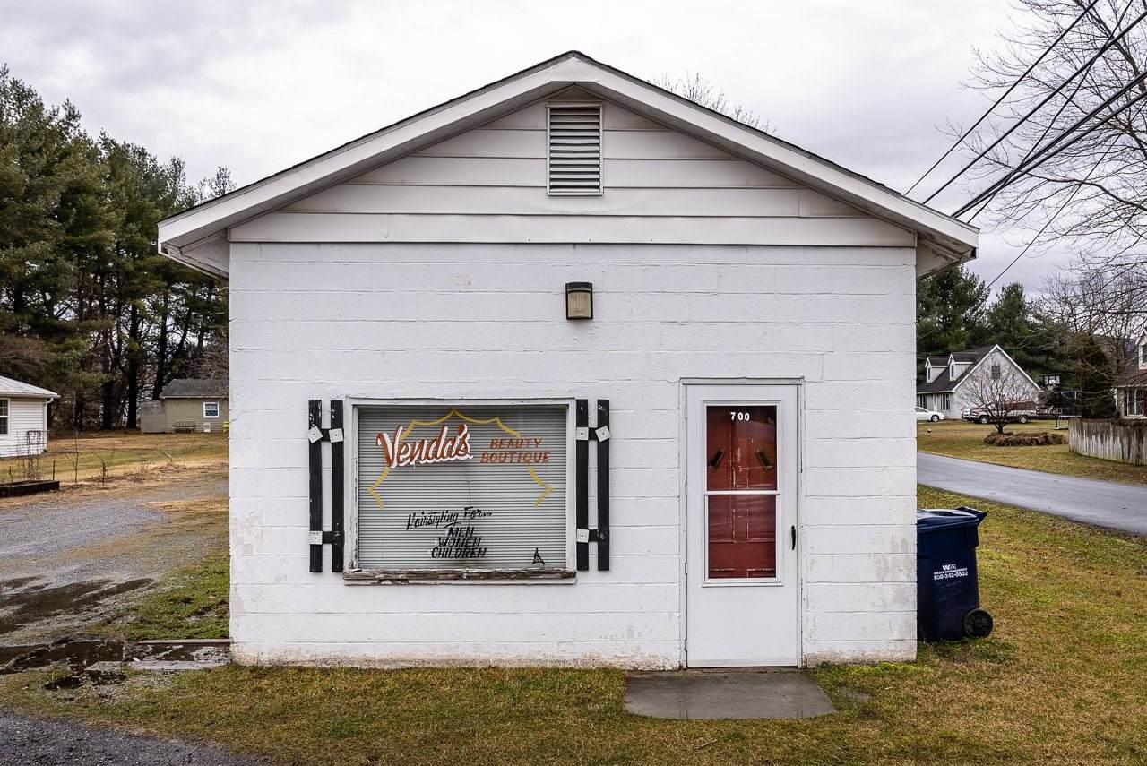 700 Dogwood Ave - Photo 1