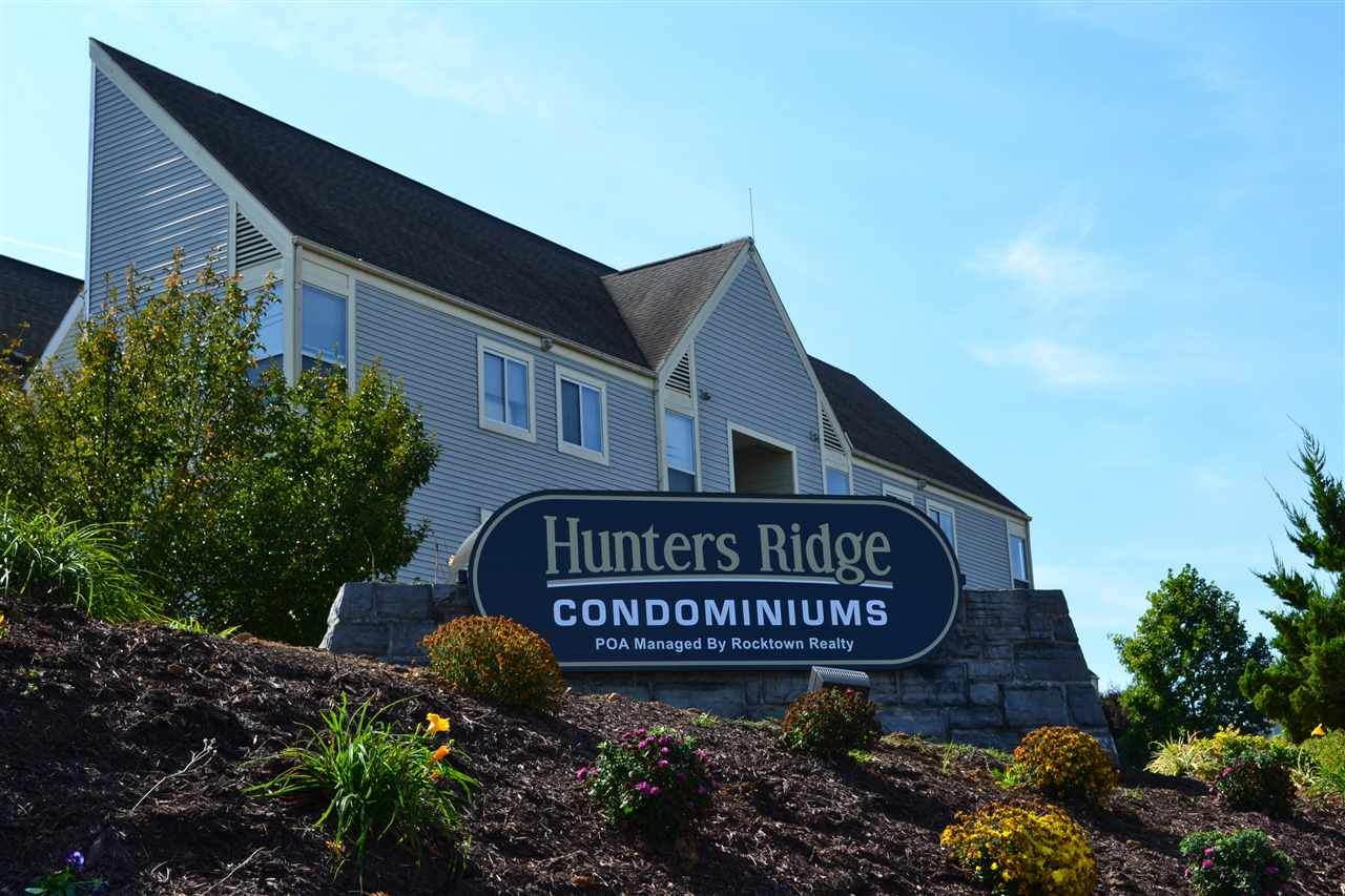 1366 Hunters Rd - Photo 1