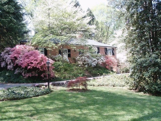 2014 Meadowbrook Rd, CHARLOTTESVILLE, VA 22903 (MLS #584372) :: Jamie White Real Estate