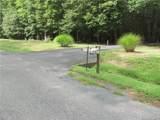 588 Lakeview Drive - Photo 3