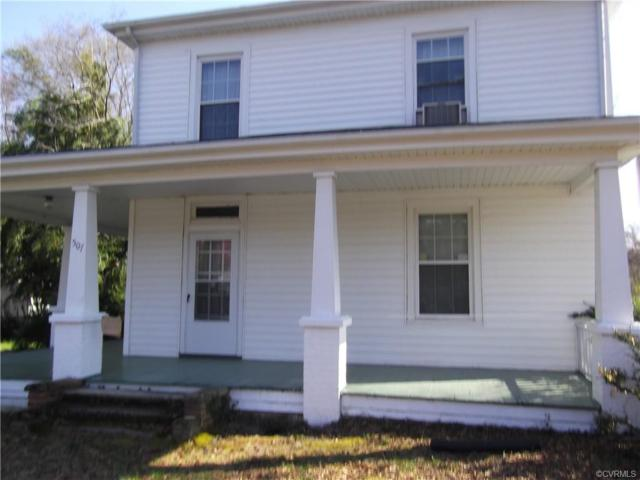 507 E Nottoway Ave, Blackstone, VA 23824 (MLS #1910416) :: RE/MAX Action Real Estate