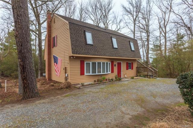 863 Fishing Bay Road, Deltaville, VA 23043 (#1912023) :: Abbitt Realty Co.
