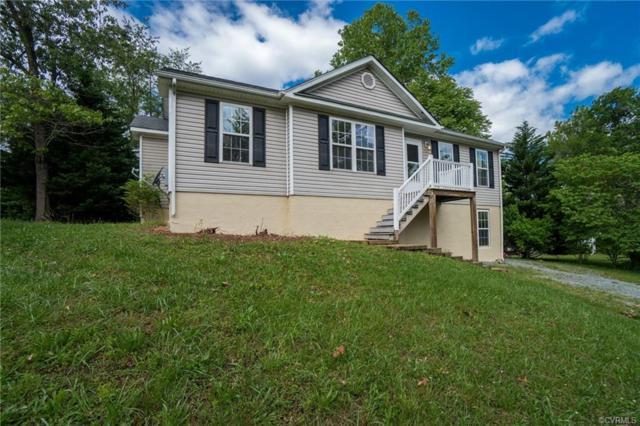 364 Lakeview Circle, Louisa, VA 23093 (#1915944) :: Abbitt Realty Co.