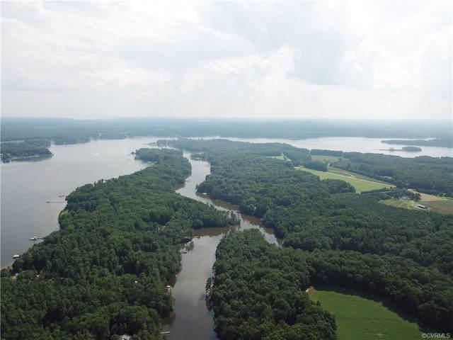 39 Wilton Creek, Hartfield, VA 23071 (MLS #1925703) :: EXIT First Realty
