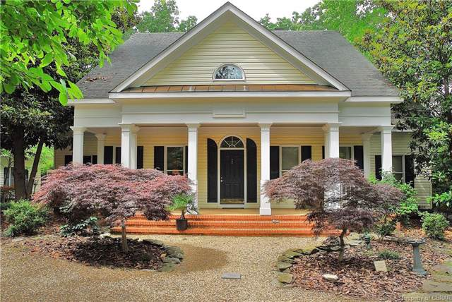 862 Bland Point Road, Deltaville, VA 23043 (MLS #1927274) :: The RVA Group Realty