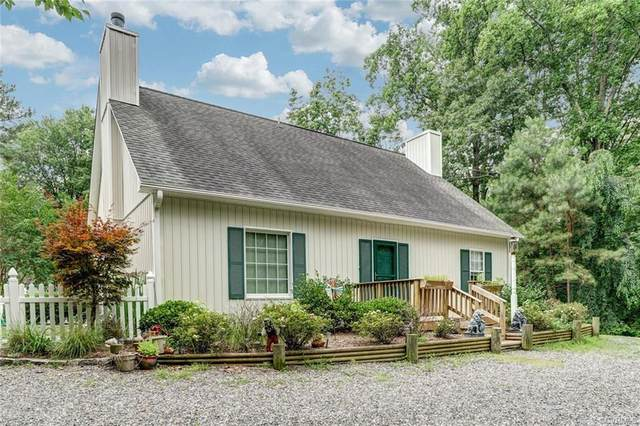 25 Oak Ridge Drive, Kilmarnock, VA 22482 (#2019800) :: Abbitt Realty Co.
