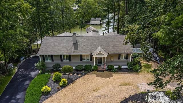 59 East Cove, Weems, VA 22576 (MLS #2028757) :: Treehouse Realty VA