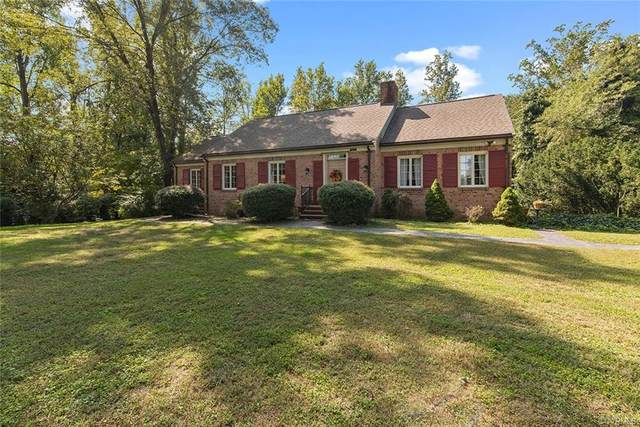 100 Lakeside Drive, Warsaw, VA 22572 (MLS #2030315) :: The Redux Group