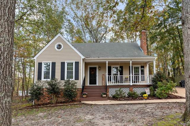 3213 Castlebury Drive, Chester, VA 23831 (MLS #2033220) :: The Redux Group