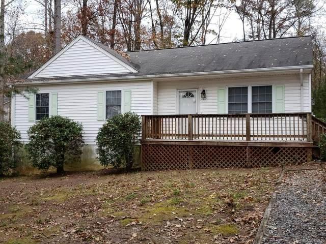 525 Lake Caroline Drive, Ruther Glen, VA 22546 (MLS #2034770) :: Treehouse Realty VA