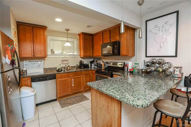 2100 Grove Avenue U1, Richmond, VA 23220 (MLS #2105066) :: Small & Associates