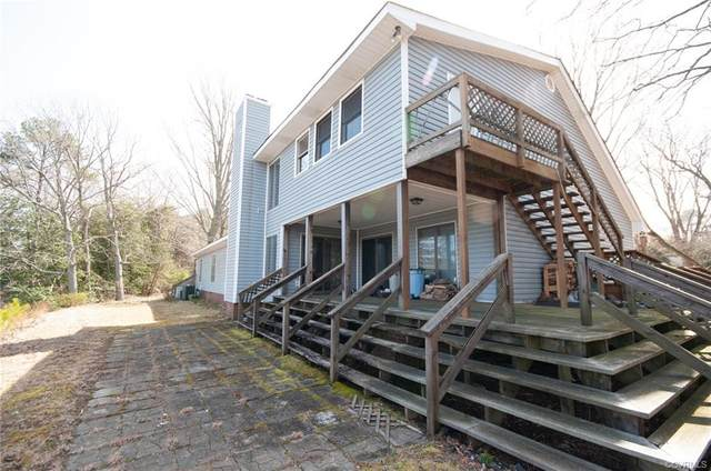 1043 Robins Point Ave, Deltaville, VA 23043 (MLS #2108628) :: EXIT First Realty