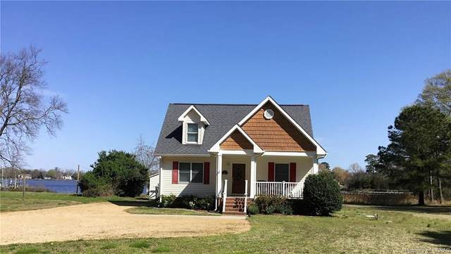 113 Laughing Gull Loop, North, VA 23109 (MLS #2109264) :: Village Concepts Realty Group
