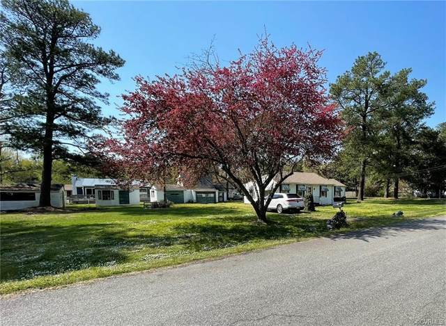 4902 Summerest Avenue, Henrico, VA 23231 (MLS #2110876) :: Village Concepts Realty Group