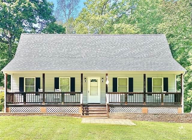 3975 Trinity Forest Drive, Dinwiddie, VA 23833 (#2111394) :: Abbitt Realty Co.