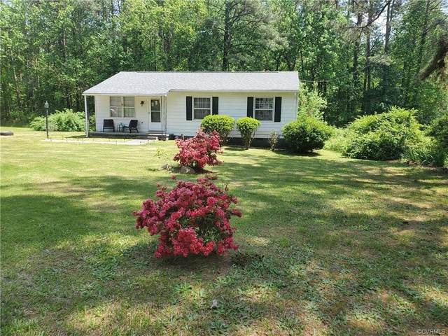 819 2nd Street, Crewe, VA 23930 (MLS #2113069) :: The Redux Group