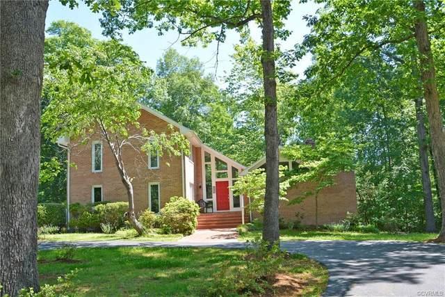 207 Woodland Place, Farmville, VA 23901 (MLS #2115564) :: Treehouse Realty VA