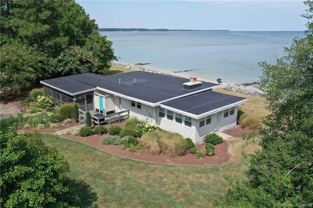 137 Seahaven Drive, White Stone, VA 22578 (#2122895) :: Abbitt Realty Co.