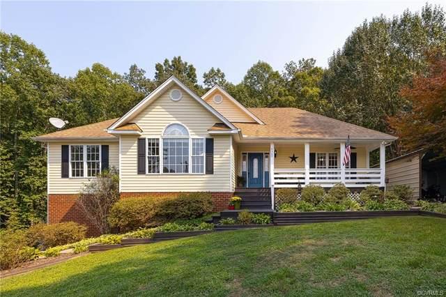 4369 Windsor Lake Drive, Louisa, VA 23093 (MLS #2128819) :: Village Concepts Realty Group