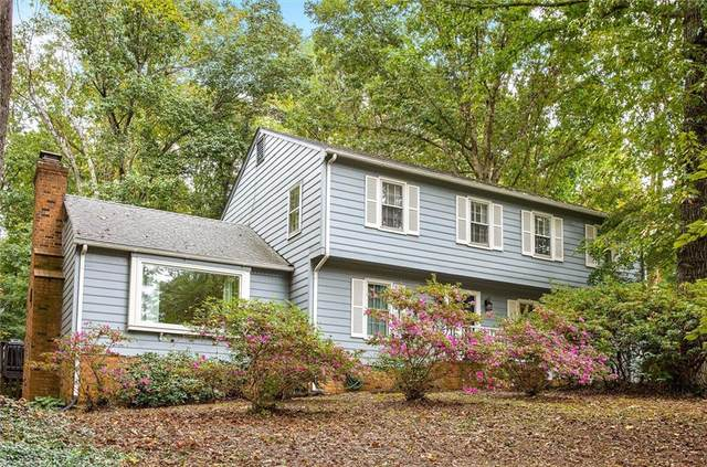 2425 Loch Braemar Drive, North Chesterfield, VA 23236 (MLS #2130447) :: Village Concepts Realty Group
